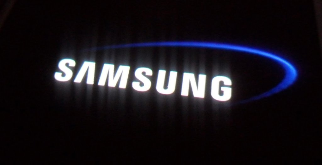 Which 2016 Samsung Smartphone will Feature a Foldable Design?