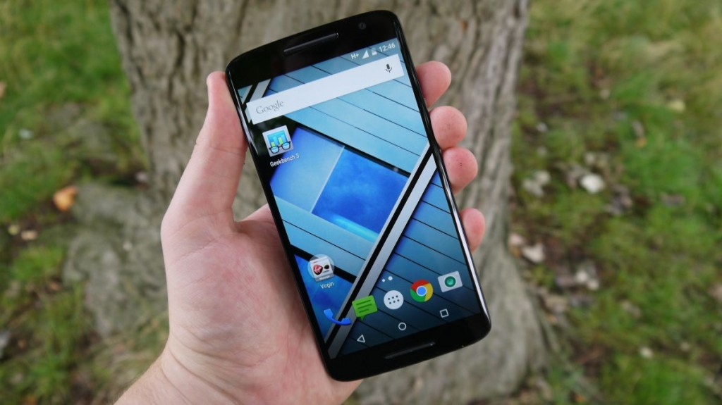 #1 in Our Best Smartphone List - Motorola Moto X Play