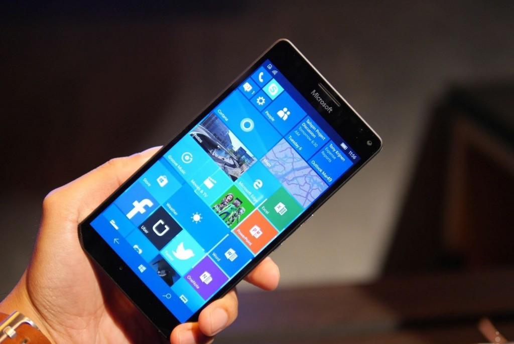 #1 in Our Best Windows Smartphone List - Lumia 950 XL