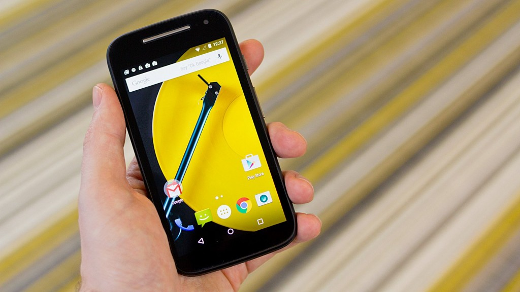 #3 in Our Best Motorola Smartphone List - Motorola Moto E (2015)
